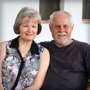 Pastores: Luis y Mical McKenzie