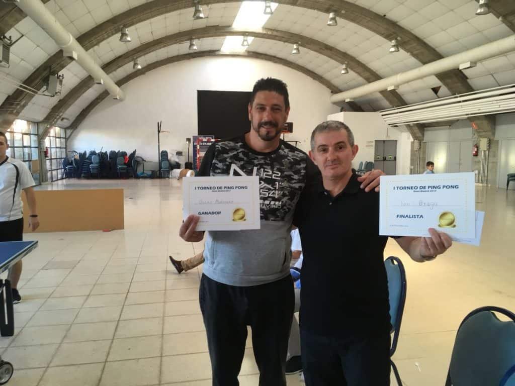 Oscar Matesanz (Izquierda) y Ion Dragu, ganador y finalista del torneo